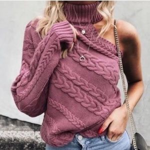 Sweaters - ✨LAST ONE✨One Sleeve Turtleneck Sweater